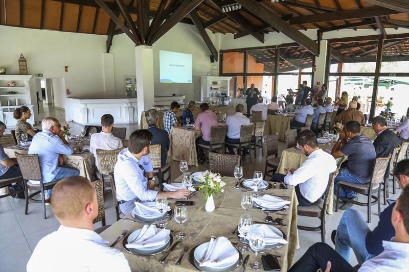 Reuniao entre dirigentes da Associação das Pequenas Centrais Hidrelétricas (ABRAPCH) e técnicos da Secretaria do Meio Ambiente no salão de Atos do Parque Barigui. - Curitiba, 17/09/2019 - Foto: Daniel Castellano / SMCS