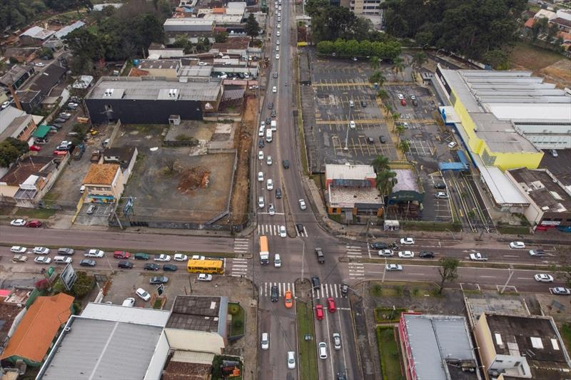 Obra da trincheira da Mário Tourinho bloqueia trânsito na Nossa Senhora Aparecida. Foto: Pedro Ribas/SMCS