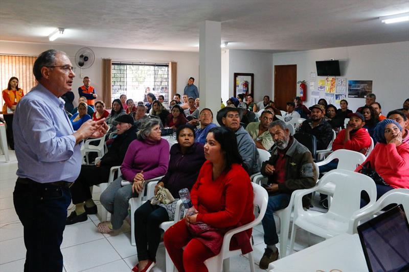 Cconsulta pública com os moradores da Vila 29 de Outubro. A apresentação contou com um representante Agência Francesa de Desenvolvimento (AFD), técnicos do IPPUC, Cohab e Regional Tatuquara. Curitiba, 25/09/2019. Foto: Rafael Silva