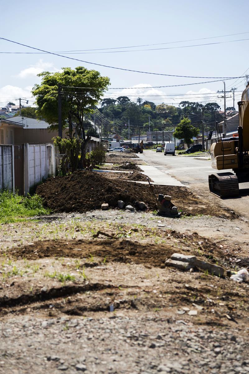 Final das obras de drenagem da Rua Tito Teixeira de Castro, Boqueirão. Curitiba, 27/09/2019. Foto: Valdecir Galor/SMCS