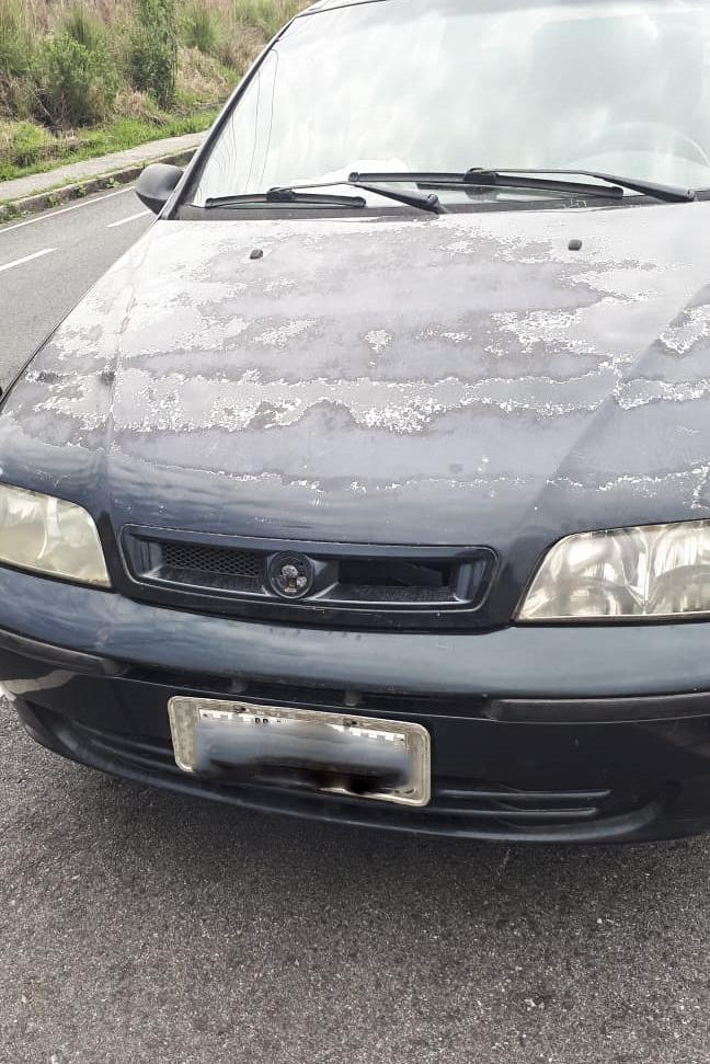 Mais três carros em péssimo estado de conservação são guinchados. Foto: Divulgação