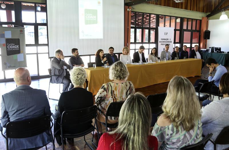 Adesão as cidades Educadoras, no salão de Atos do Barigui. Curitiba,09/10/2019 Foto: Luiz costa /SMCS