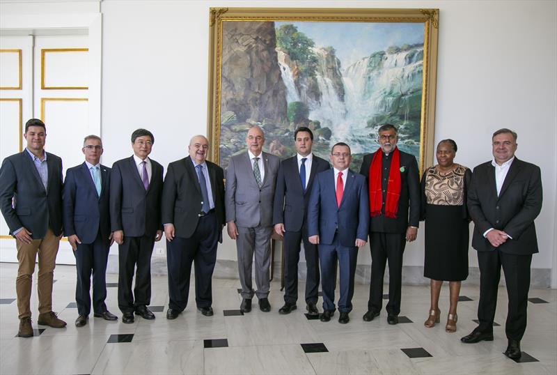 Prefeito Rafal Greca durante encontro com os representantes culturais dos BRICs no Palácio Iguaçu - Curitiba, 11/10/2019 - Foto: Daniel Castellano / SMCS