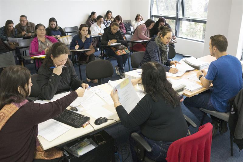 Mais 49 classificados às vagas do PSS para professor de educação infantil são chamados para assinatura de contrato. Foto: Valdecir Galor/SMCS