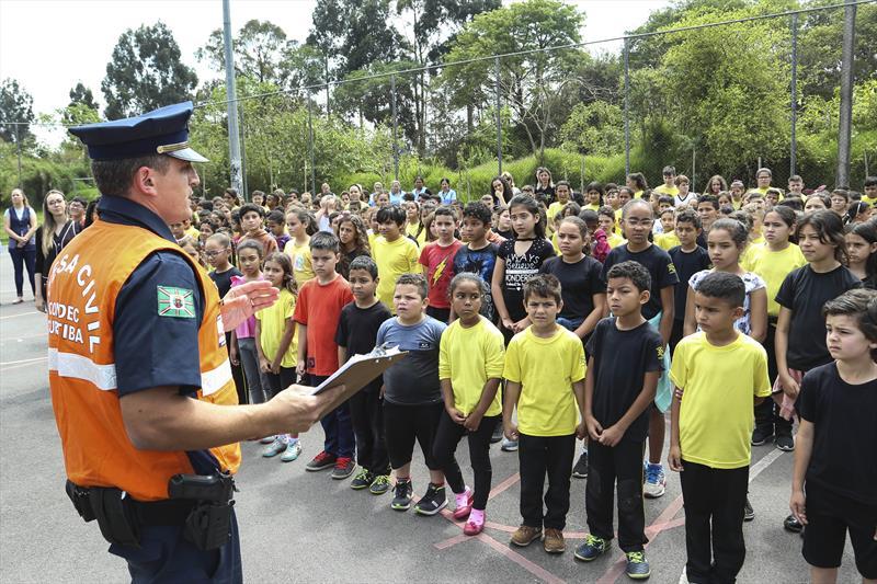 Ação da guarda municipal, evacuação de emergência na escola municipal Eneas Farias no Cajuru. Curitiba,18/10/2019. Foto: Luiz Costa /SMCS.