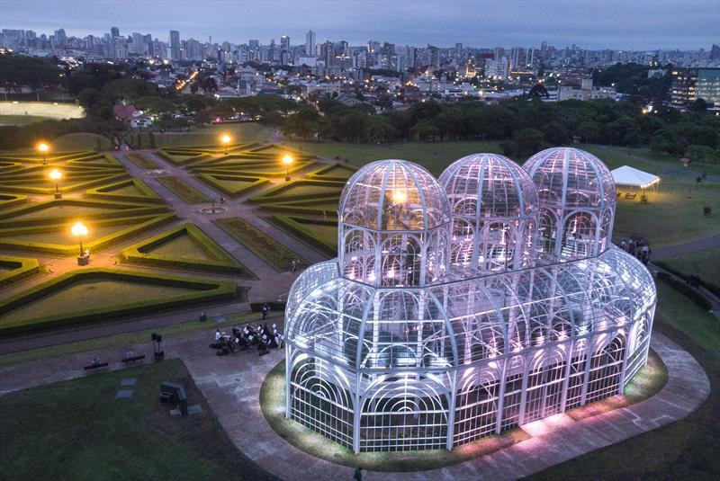 Cartão-postal da cidade e um dos atrativos mais visitados pelos turistas, a estufa do Jardim Botânico de Curitiba foi revitalizada e entregue semana passada. Curitiba, 07/11/2019. Foto: Luiz Costa/SMCS
