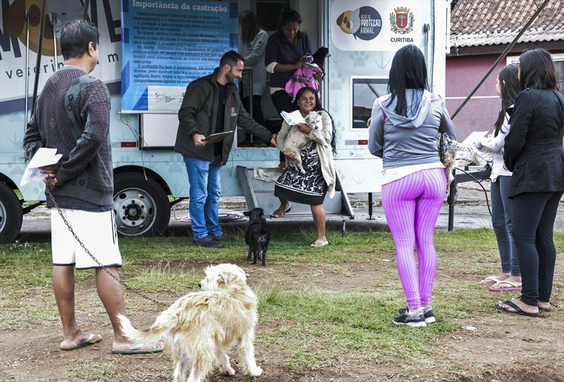 Cães de aldeia indígena Kanané-Porã no Caximba recebem cuidados de saúde. Curitiba, 12/11/2019.  Foto: Levy Ferreira/SMCS