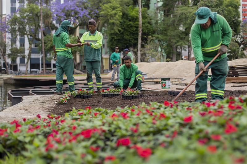 Na reta final, Passeio Público ganha novo paisagismo com 40 mil flores. Curitiba, 12/11/2019. Foto: Isabella Mayer/SMCS
