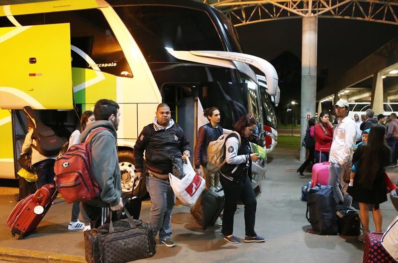 Rodoviária deve embarcar 31 mil passageiros no feriado da República. Foto:Cesar Brustolin/SMCS