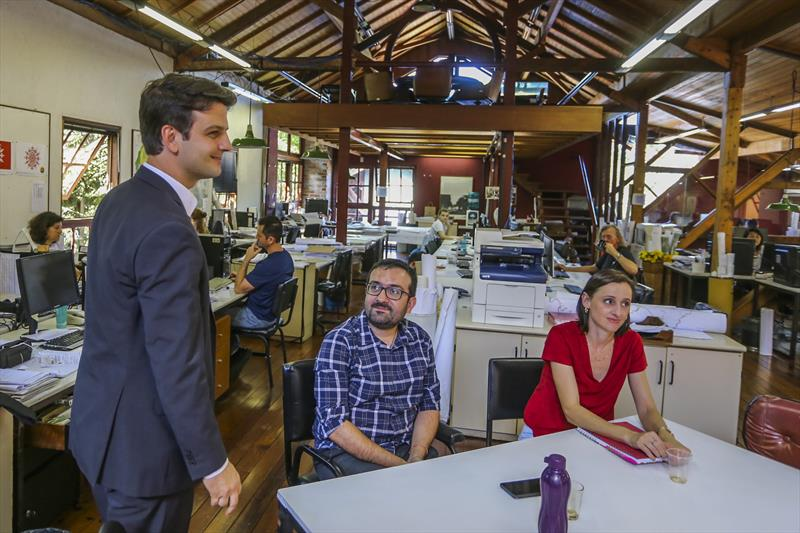 Prefeito em exercício Eduardo PImentel visita as instalações do IPPUC - Curitiba, 20/11/2019 - Foto: Daniel Castellano / SMCS