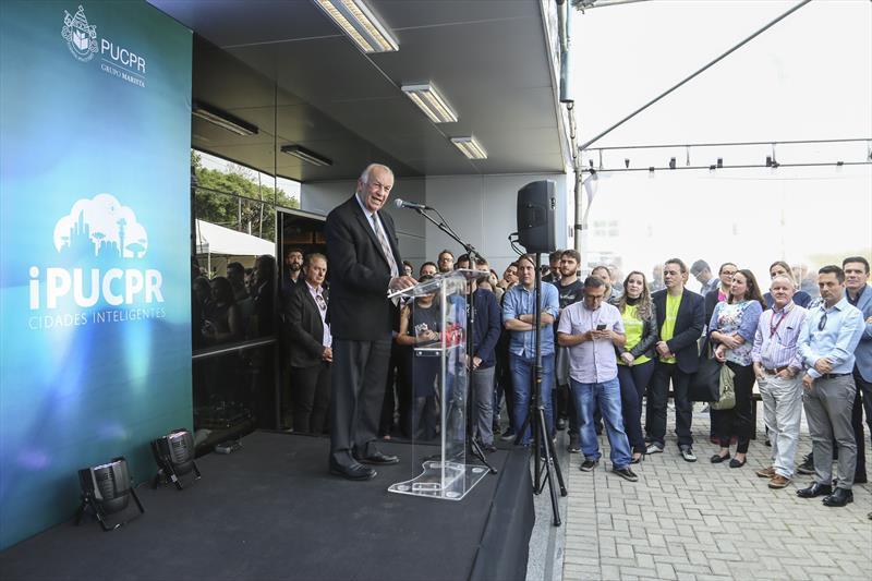 O prefeito Rafael Greca inaugura o novo espaço de inovação Hotmilk na PUCPR.  - Na imagem, o reitor Waldemiro Gremsk. Curitiba,26/11/2019. Foto: Luiz Costa /SMCS.
