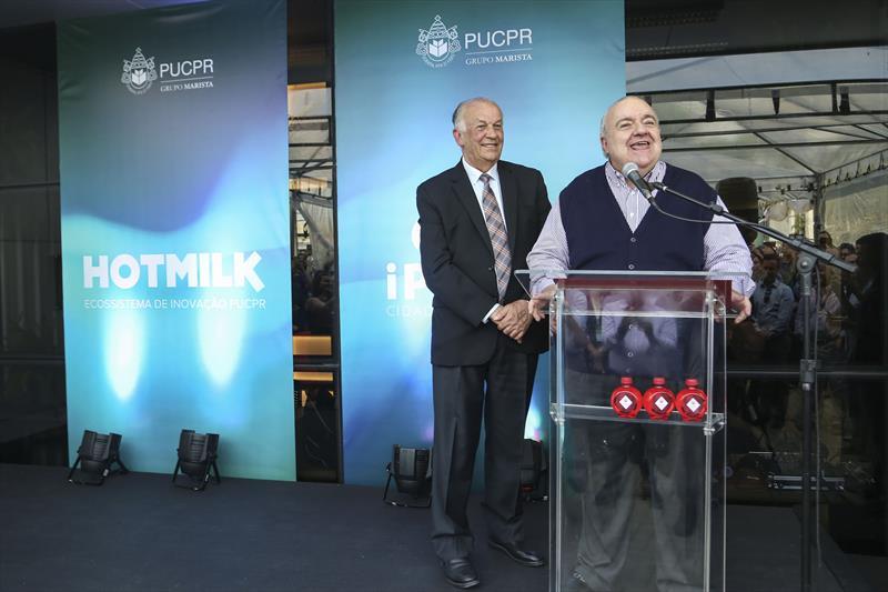 O prefeito Rafael Greca inaugura o novo espaço de inovação Hotmilk na PUCPR.  - Na imagem, o reitor Waldemiro Gremski e Rafael Greca. Curitiba,26/11/2019. Foto: Luiz Costa /SMCS.