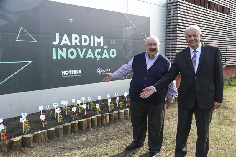 O prefeito Rafael Greca inaugura o novo espaço de inovação Hotmilk na PUCPR.  -  Na imagem, Rafael Greca e o reitor Waldemiro Gremski. Curitiba,26/11/2019. Foto: Luiz Costa /SMCS.
