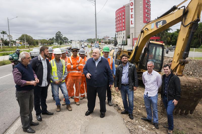 Prefeito Rafael Greca visita obras  da Linha Verde entre a Estação Solar e a Estação Atuba. Curitiba, 02/12/2019 Foto: Valdecir Galor/SMCS.