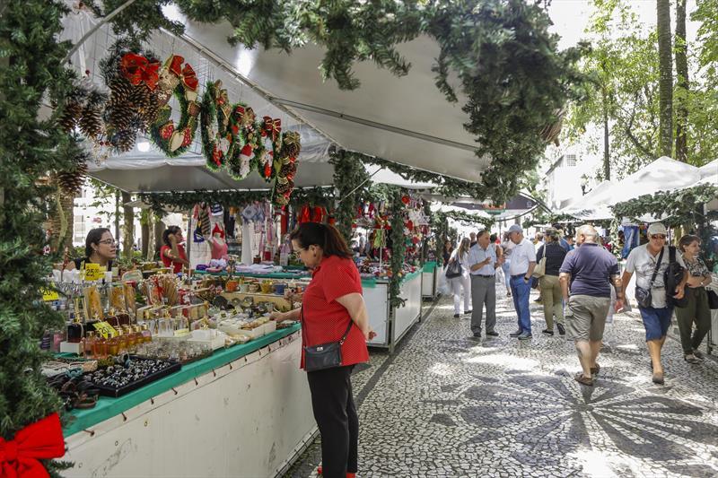 Feira de natal da Praça Osório.  Foto: Pedro Ribas/SMCS