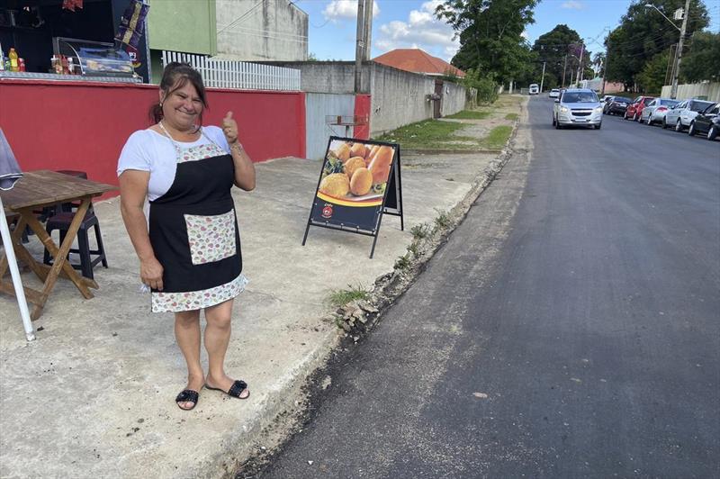 Três ruas do Pinheirinho têm obras de recuperação do asfalto na imagem Iara Regina da Sila Teixeira. Foto: Divulgação