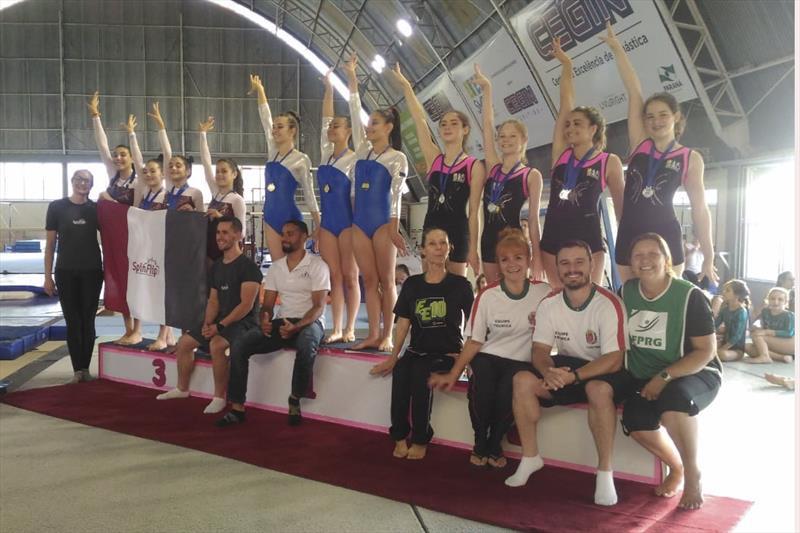 Curitibinhas são destaque em campeonato de ginástica no Interior do Paraná. Fotos Divulgação