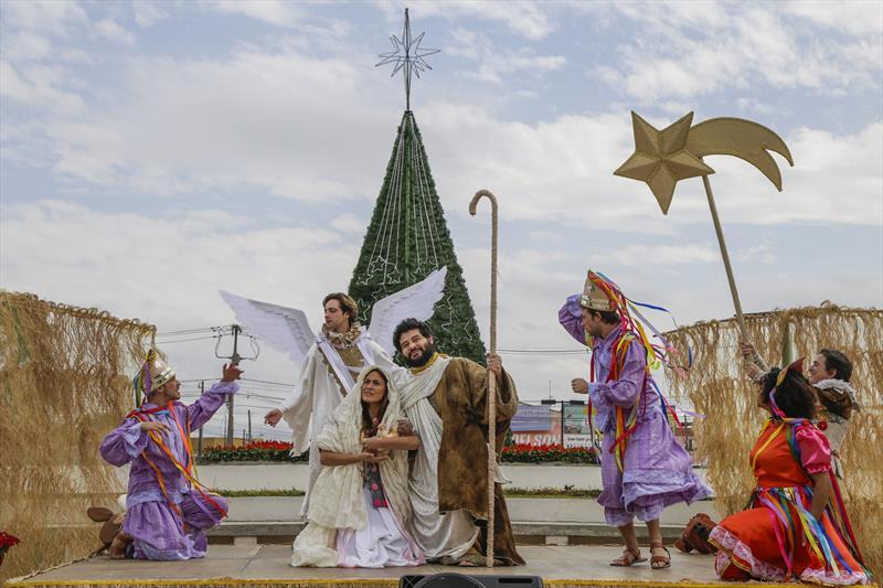 Apresentação do auto O Sentido do Natal, na Rua da Cidadania do Tatuquara. Curitiba, 03/12/2019. Foto: Pedro Ribas/SMCS