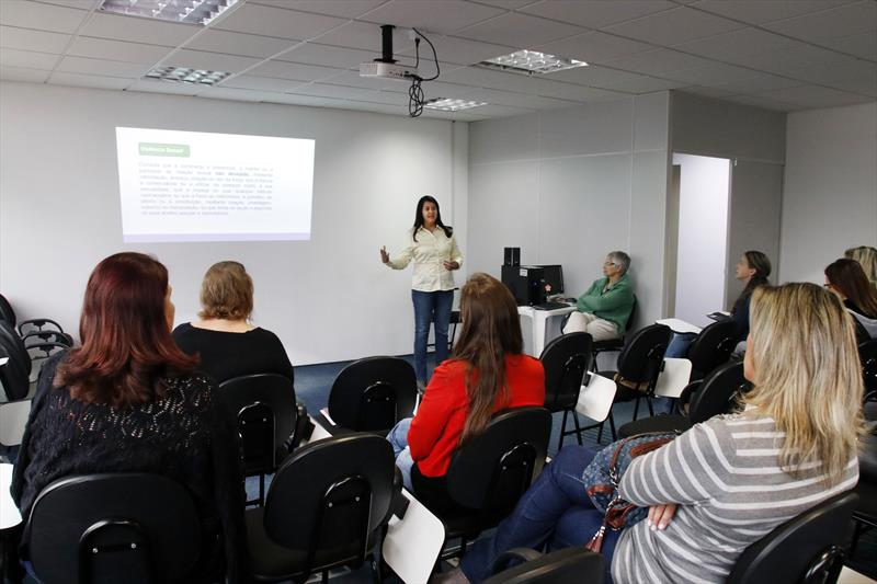 Palestra de Gleri Mangger, Assessoria de Direitos Humanos. Curitiba, 04/12/2019. Foto: Lucilia Guimarães/SMCS