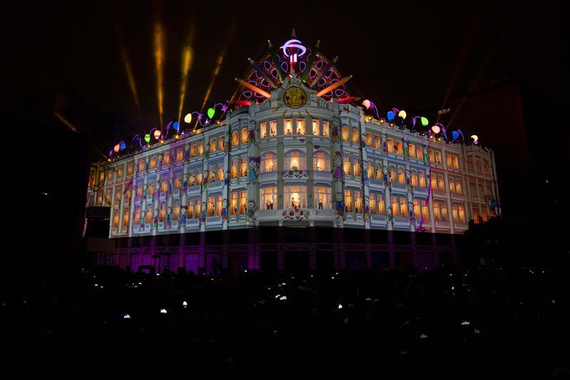 Natal Luz dos PInhais 2019 - Testes de iluminação para apresentações do Palácio Avenida - Curitiba, 03/12/2019 - Foto: Divulgação / Bradesco