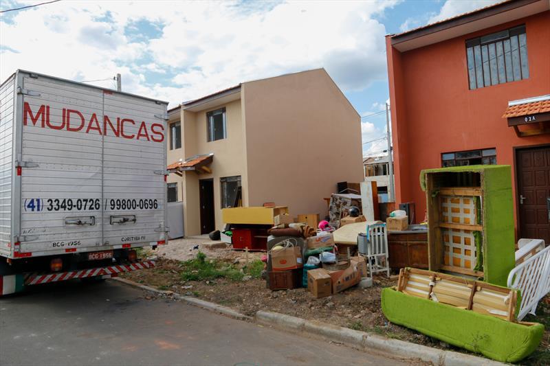 Relocação de famílias para o Moradias Alamanda, no Cajuru. Na imagem Vila Acrópole. Foto: Rafael Silva