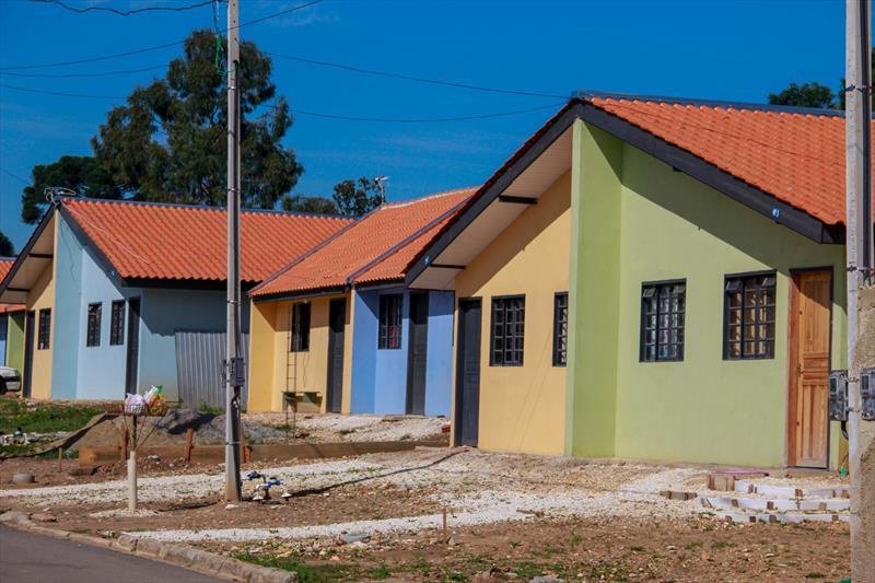 Entrega de mais 39 unidades no Moradias Faxinal, bairro Santa Cândida. Foram beneficiadas famílias que viviam em situação de risco nas margens do rio Atuba.   Foto: Rafael Silva