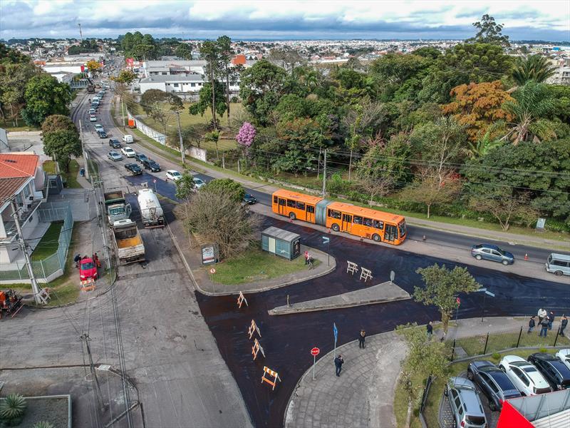 Obras de revitalização do asfalto na Rua Francisco Derosso, Esquina com a Rua Carolina Derosso .  Foto: Daniel Castellano / SMCS