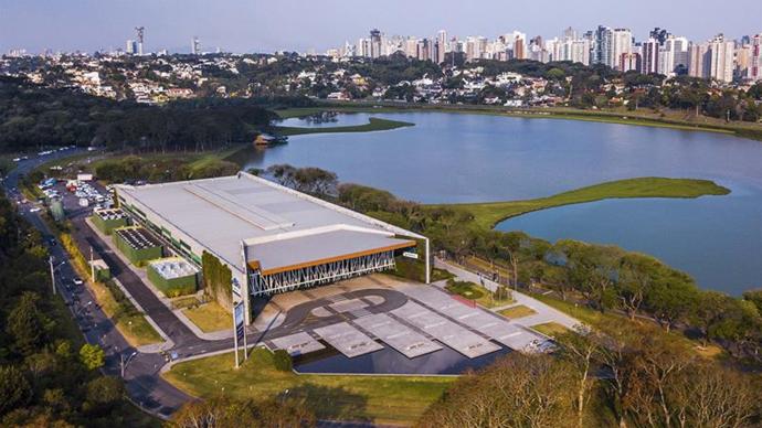 Curitiba é 3° destino de negócios mais procurado por estrangeiros. Foto: Daniel Castellano/SMCS