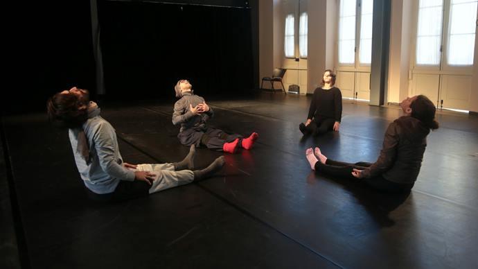 Oficina Dança do Meio dia na Casa Hoffmann. Foto: Cido Marques/FCC