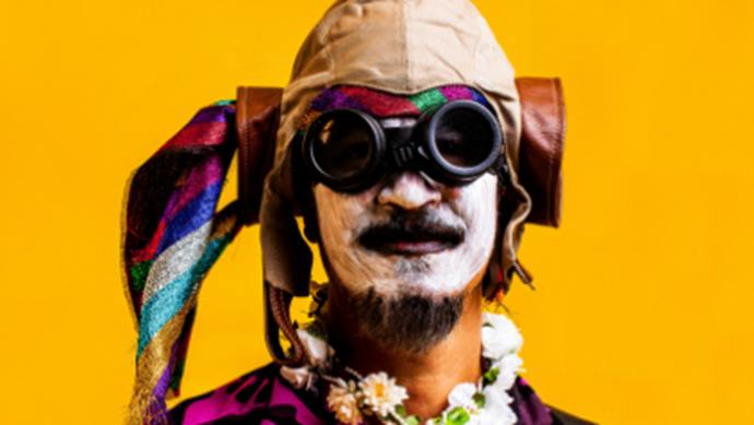 Mestre da ciranda e do maracatu, o pernambucano Siba vem a Curitiba para show no Teatro do Paiol. Foto: Divulgação