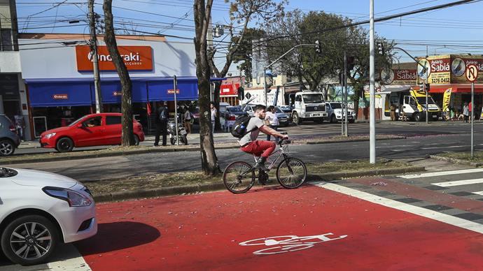Bicicaixa na Marechal Floriano. Curitiba, 10/08/2019. Foto: Luiz Costa /SMCS.