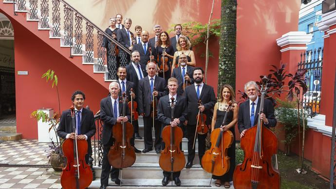 A Orquestra de Câmara da Cidade de Curitiba se apresenta no terreiro de umbanda Pai Maneco. - Foto: Daniel Castellano / SMCS