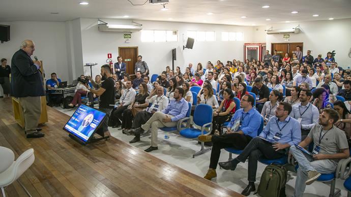 Employer Summit, evento inédito preparado pela empresa curitibana Employer e pela Microsoft com o apoio da Prefeitura de Curitiba no auditório de orgânicos do Mercado Municipal de Curitiba. Na imagem Prefeito Rafael Greca participa do evento - Curitiba, 11/09/2019 - Foto: Daniel Castellano / SMCS