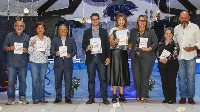 O prefeito em exercício Eduardo Pimentel participou do lançamento do livro. Curitiba, 21/11/2019. Foto: Lucilia Guimarães/SMCS