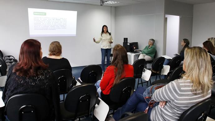Palestra de Marcia Medeiros- Assessoria de direitos humanos. Curitiba, 04/12/2019. Foto: Lucilia Guimarães/SMCS