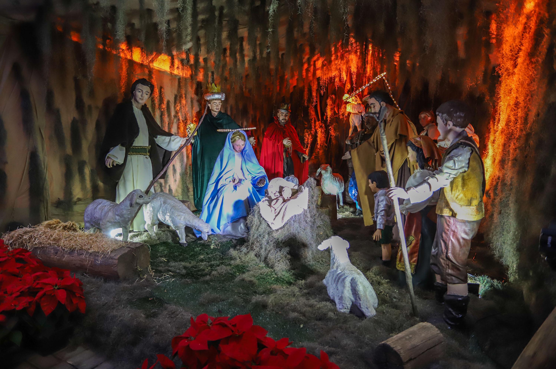 Bênção do presépio encanta famílias do Bairro Novo