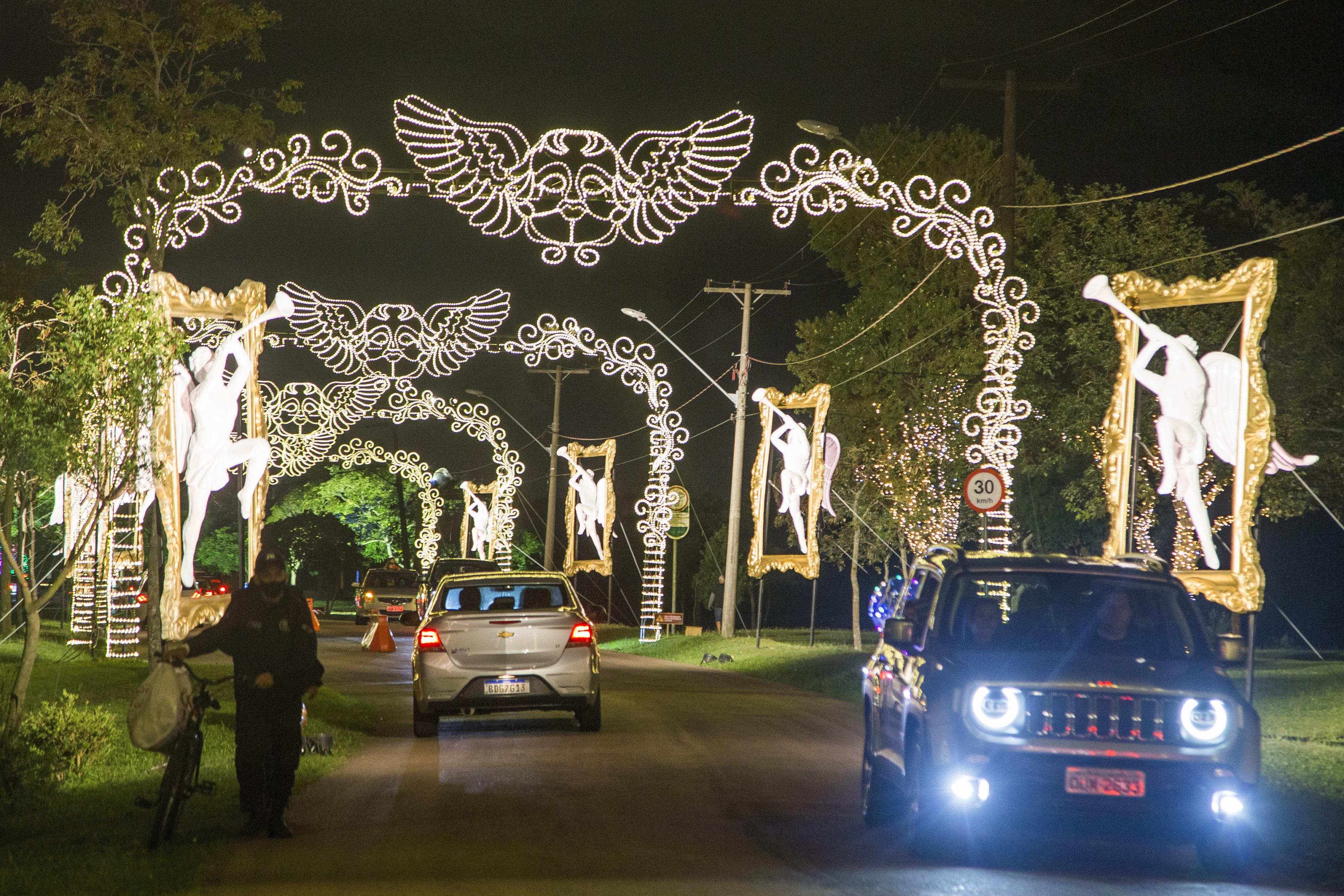 Drive-thru natalino do Passeio Público