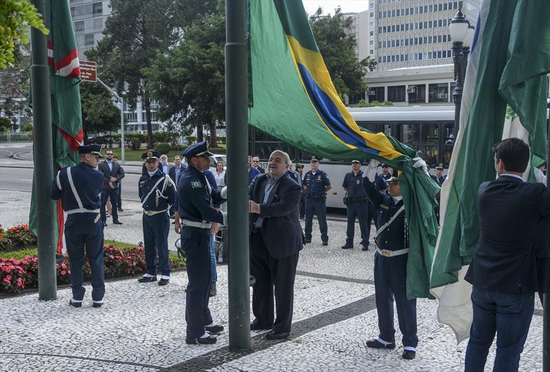 Hasteamento da bandeira marca início dos trabalhos no ano 2020 na prefeitura de Curitiba. Curitiba, 06/01/2020.  Foto: Levy Ferreira/SMCS