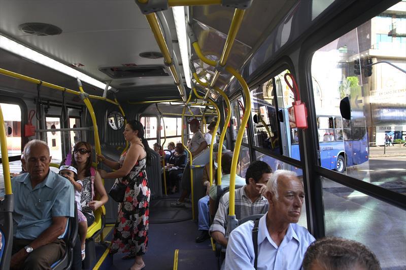 Número de assaltos em ônibus de Curitiba caiu 74% desde 2016.. Foto: Joel Rocha/SMCS (arquivo)