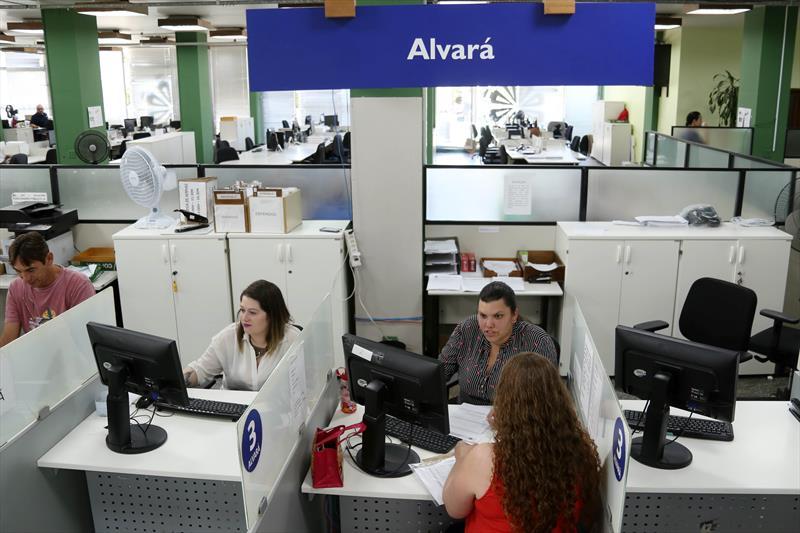 Com mais agilidade nos processos, número de empresas abertas em Curitiba cresce 21%. Foto: Luiz Costa / SMCS