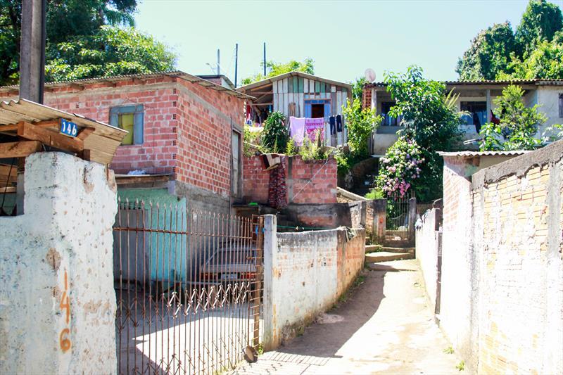 A prefeitura transferiu famílias que viviam de forma insalubre, sem esgoto, deteriorando o meio ambiente, e reassentou em um novo conjunto dotado de completa infraestrutura. Foto: Rafael Silva