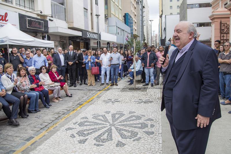 Prefeito Rafael Greca entrega a revitalização da rua Voluntários da Pátria. Curitiba, 13/02/2020. Foto: Pedro Ribas/SMCS