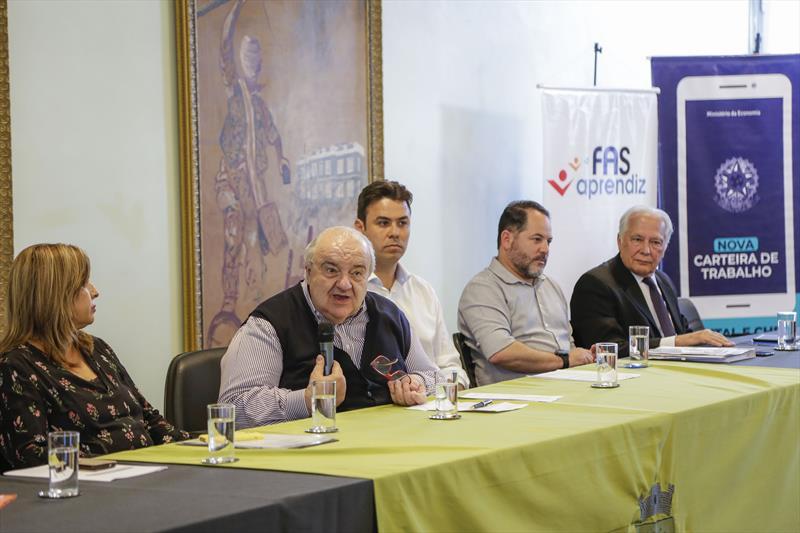 Prefeito Rafael Greca na 1ª reunião do Fórum Estadual de Aprendizagem. Curitiba, 13/02/2020. Foto: Pedro Ribas/SMCS