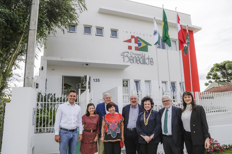 Prefeito Rafael Greca com a primeira-dama Margarita Sansone, visita o Instituto Princesa Benedikte. Curitiba, 14/02/2020. Foto: Pedro Ribas/SMCS