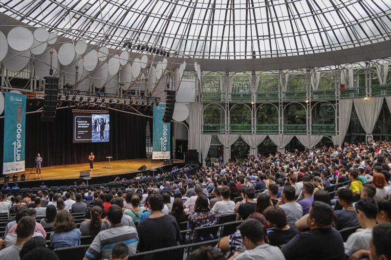 Palestra de Sandra Soffner, no seminário inaugural do programa 1º Empregotech, na Ópera de Arame. Curitiba, 16/02/2020. Foto: Pedro Ribas/SMCS