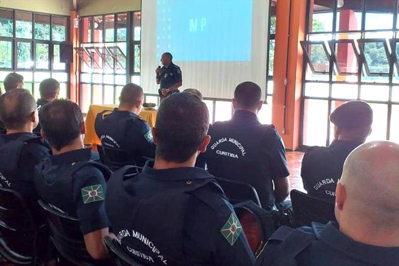 Cerca de 180 guardas municipais que ingressaram no quadro da Prefeitura, participaram, nesta segunda-feira (17/2), de reunião com a perícia médica. Foto: Divulgação