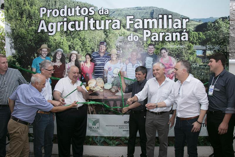 Prefeito Rafael Greca  visita a 1ª Feira da Agricultura Familiar do Paraná. Curitiba. 18/02/20202. foto: Ricardo Marajó/FAS