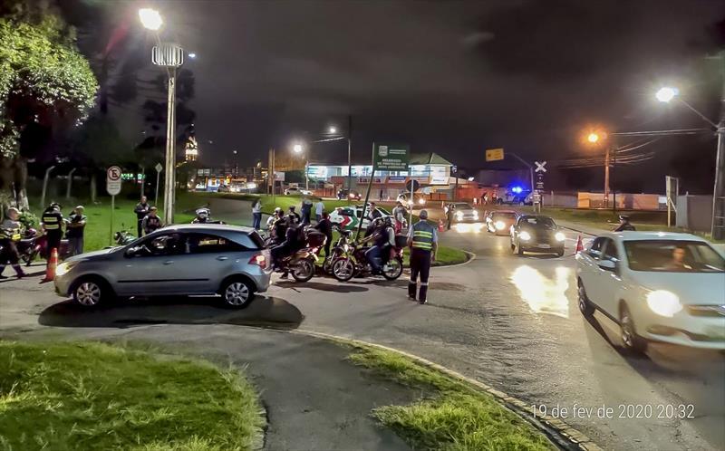 Veículos autuado  com mais de R$ 120 mil  em débitos. Curitiba, 20/02/2020. Foto: Divulgação.