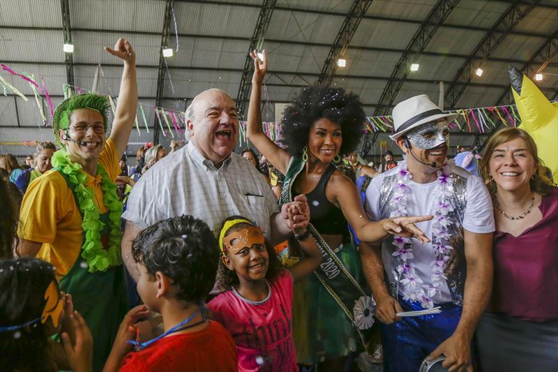 Prefeito Rafael Greca, participa da aula de Iniciação ao Samba na Regional Boqueirão. Curitiba, 20/02/2020. Foto: Pedro Ribas/SMCS