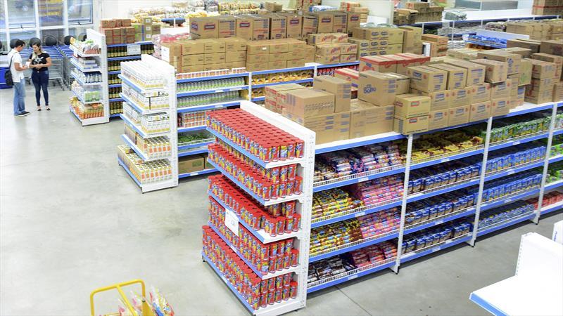 Prefeitura garante entrega de alimentos para 17 mil estudantes carentes. Foto: Levy Ferreira/SMCS